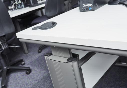Gresham D3K Manual Height Adjustable Desk Edge Detail