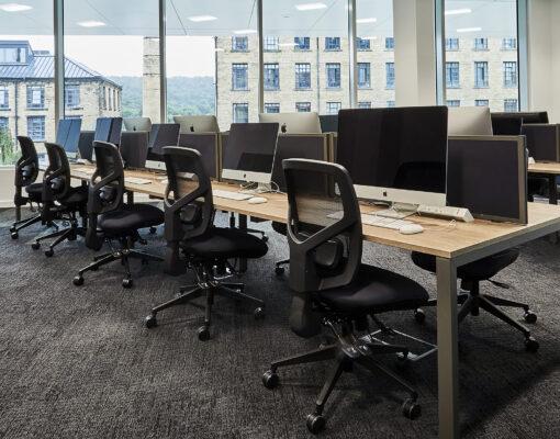 Gresham Mesa Plus Desking with Mesa Plus Screens